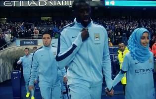 Po prvi put u historiji Premier lige: Yaya Toure na teren izveo djevojčicu sa hidžabom