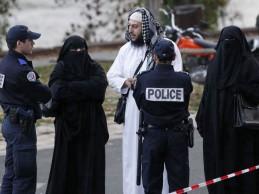 Islamofobija u novom ruhu: Šef protokola grada Brisela na ulici strgnuo nikab katarskoj princezi