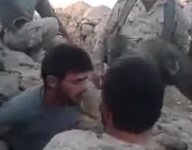 Pogledajte kako vojnici Hezbolaha tjeraju libanskog suniju da kaže da je Aiša r.a. razvratnica