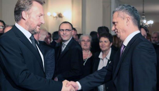 Bakir Izetbegović rekao da je Radončić bolesni fenomen kojeg će morati riješiti