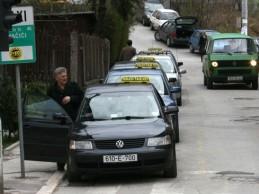 Činovnici u institucijama BiH za taksi spiskali 360.000 KM