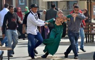 Pogledajte kako se Sisijevi policijski psi iživljavaju nad studenticama Al Azhara