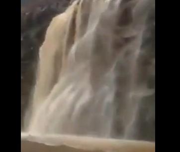 Nevjerovatan prizor: Nakon kiše stotine rječica sliva se u Meku