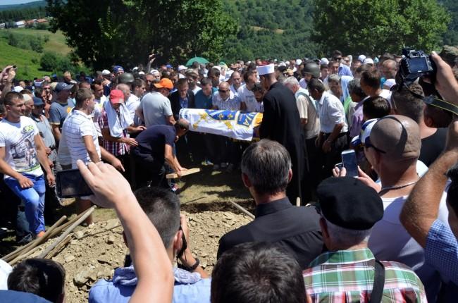 Srebreničani se oprostili od Zlatnog ljiljana Nedžada Bektića