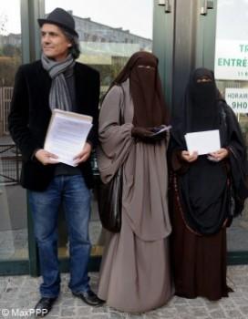 Port-du-niqab-il-paie-les-3-amendes-d-une-femme-condamnee_mode_une-272x350