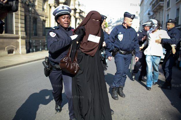 Rachid Nekkaz je plaćanjem kazni obesmislio zabranu nikaba u Francuskoj