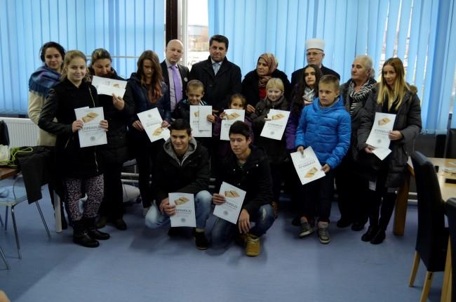Srebrenica: Podijeljeno 13 stipendija za učenike i studente
