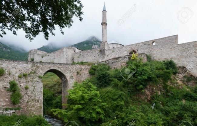 Čović koristi dobre odnose sa Bakirom i Radončićem da podijeli Travnik