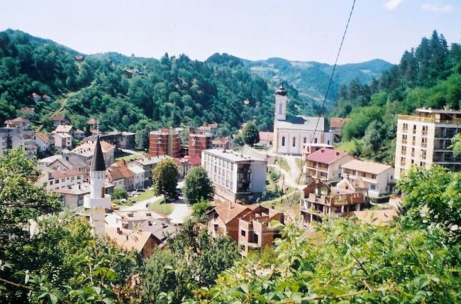 Specijalna policija RS ušla u Srebrenicu i drži izborni materijal