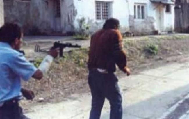Srpski fotograf dao zločincu Goranu Jelisiću 500 KM da ubije muslimana kako bi dobio nagradu za najbolju fotografiju