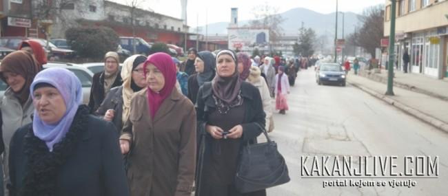 Preko hiljadu učesnica šetnje za hidžab u Kaknju