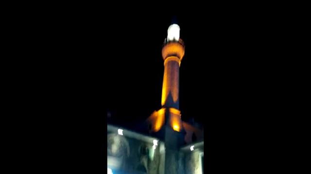 U džamijama širom Turske odjekuju ezani i pozivi na borbu protiv izdajnika