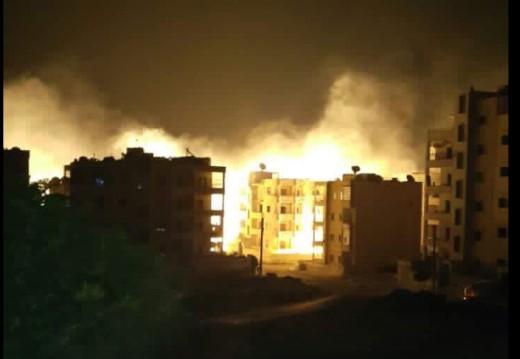 Svete se zbog poraza u Halepu: Asadova vojska spaljuje grad Idlib fosfornim bombama (VIDEO)