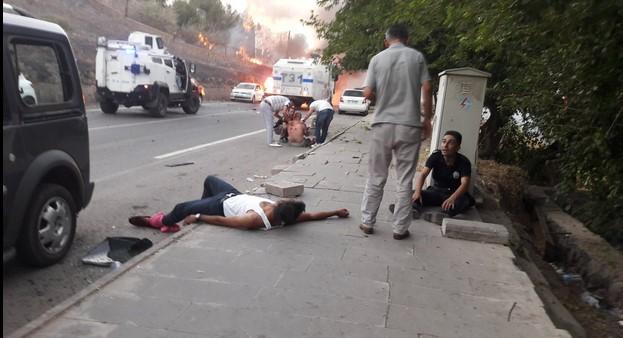 Dvije eksplozije potresle Tursku: Napadnut policijski autobus, eksplodirala i autobomba