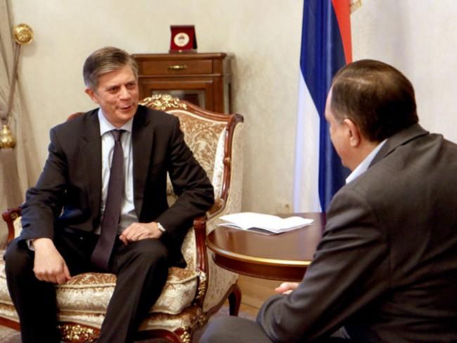 Dodik podvija rep: Sada izjavljuje da nam ne trebaju kontroverzne političke teme nego samo one od zajedničkog interesa