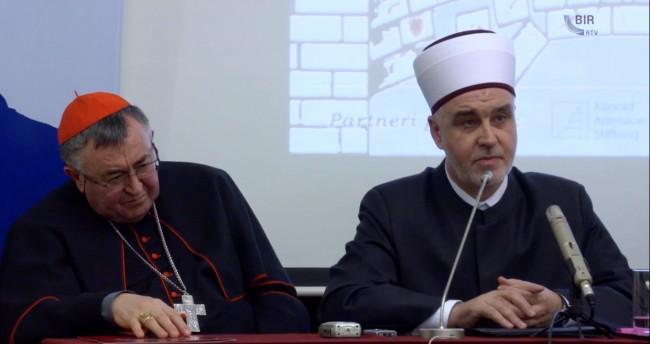 """Žestoka reakcija reisa Kavazovića na postavljeno pitanje o """"vladanju vlaha u Srebrenici"""" /VIDEO/"""