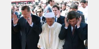 turkeys-premier-wins-libyan-praise-for-throwing-weight-behind-revolt-img-142141