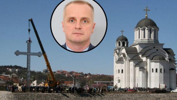 U znak sjećanja na pilota Omera Mehića, Srbi podigli krst od 13 metara u Valjevu