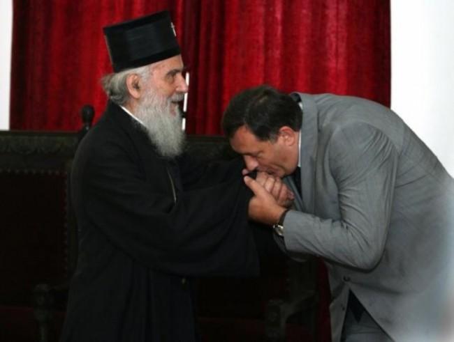 Patrijarh Irinej danas sa srpskim političarima o ugovoru Islamske zajednice i BiH