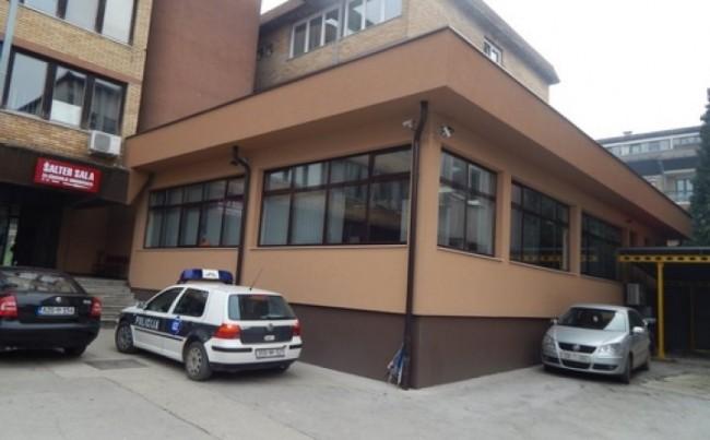 Zavidovići: Bačena eksplozivna naprava na zgradu policijske stanice