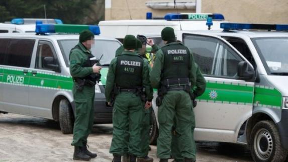 Pročitajte ko je Crnogorac uhapšen u Njemačkoj koji je prevozio puške i eksploziv u Pariz