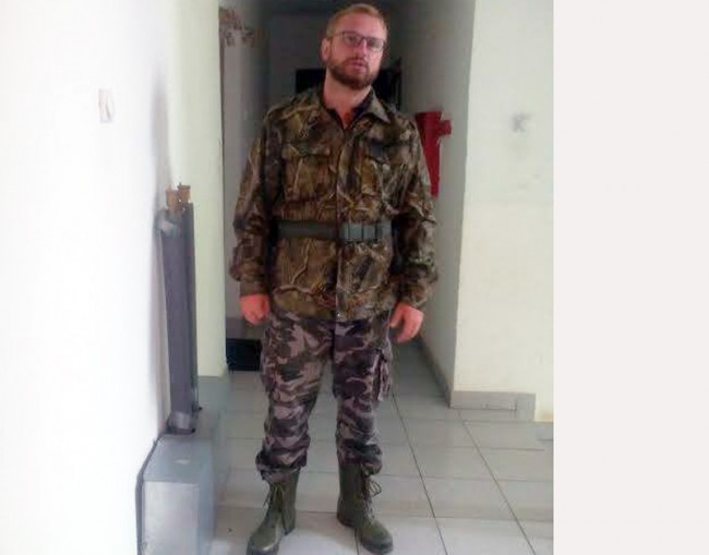 Dekan Pravoslavnog bogoslovskog fakulteta u Foči voli da se slika u maskirnoj uniformi