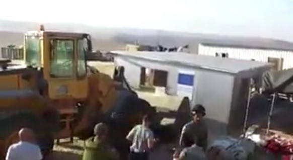 Izraelska vojska srušila palestinske kuće koje je izgradila Evropska unija (VIDEO)