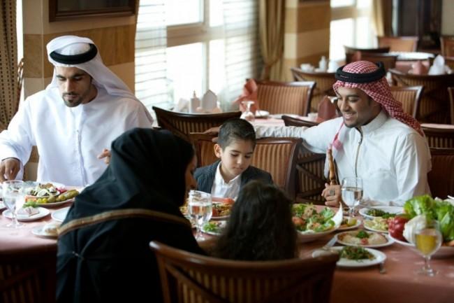 Smetaju nam Arapi sa parama, a šta bi tek bilo da su umjesto turista došle arapske izbjeglice?