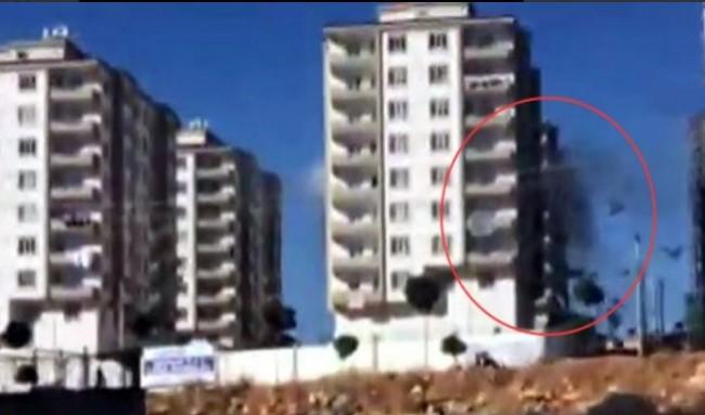 Turska: Dok se čuje ezan, Isilov terorista se raznosi i ubija tri turska policajca /VIDEO/